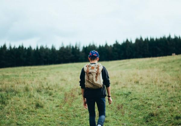 hiker-598204_1920