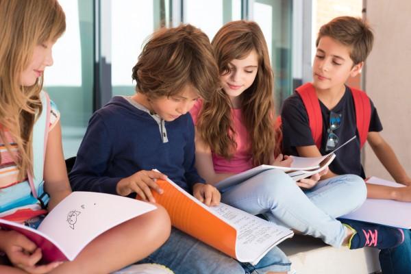 Kinder_Sch-ler_Lernen_Schule_Fotolia_91864993_M_jolopes